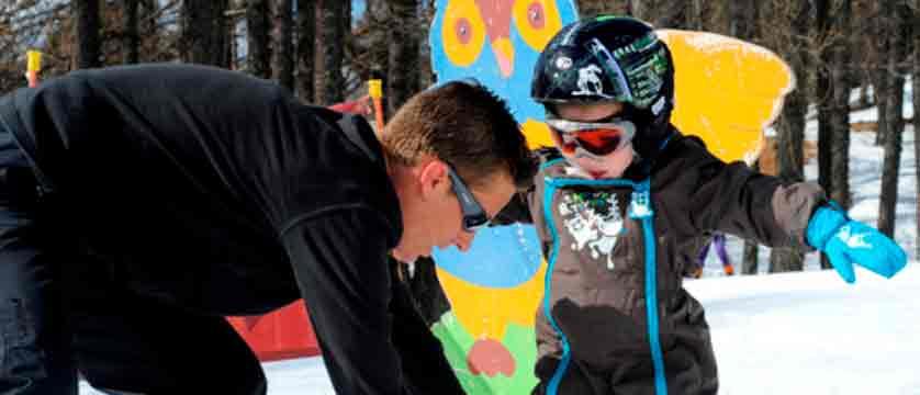Montgenvre - village club - child skiing